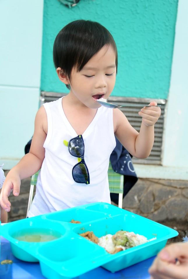 Con trai 4 tuổi của Lý Hải bất ngờ đóng phim 15 tỷ Lật Mặt 2 - ảnh 3