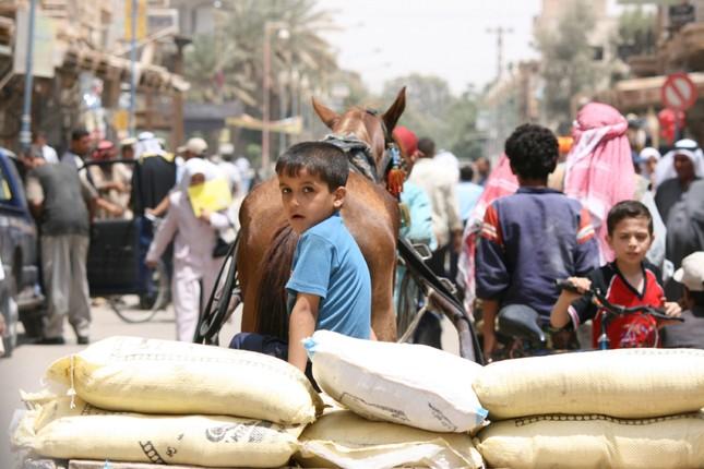 Người dân Syria muốn rời Deir Ezzor, phải trả IS 1.000 USD - ảnh 2