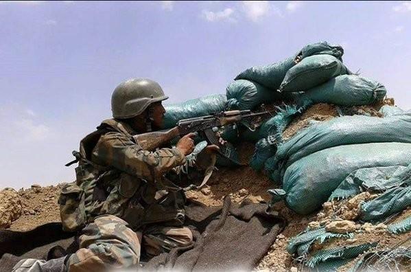 IS tiếp tục 'nướng quân' ở Deir Ezzor, 40 tay súng bị tiêu diệt - ảnh 1