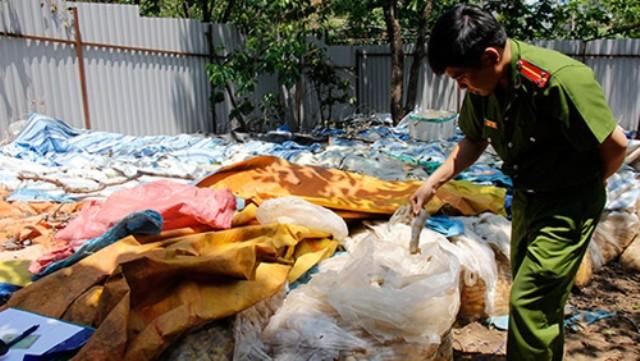 Thu giữ hơn 10 tấn măng ngâm ủ chưa rõ nguồn gốc tại Lâm Đồng - ảnh 1