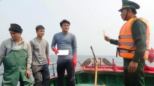 BĐBP đuổi 6 tàu cá TQ đánh bắt sâu trong vùng biển Việt Nam - ảnh 2