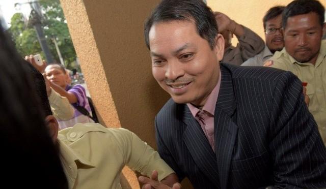 Phanh phui tài sản 7 triệu USD, 13kg vàng của Đại sứ Campuchia - ảnh 1