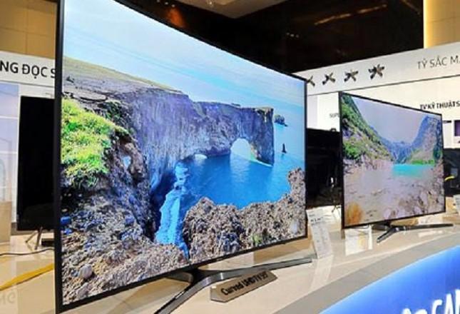 Ti vi cong đắt như ô tô: Hết thời hét giá trăm triệu - ảnh 1