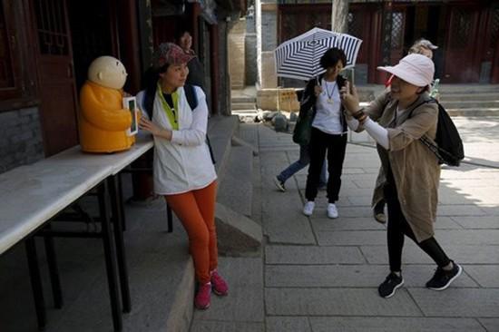 Nhà sư robot gây sốt ở Trung Quốc - ảnh 2