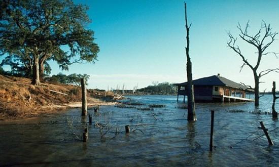Xoáy nước nhân tạo khổng lồ nuốt chửng cả hòn đảo - ảnh 1
