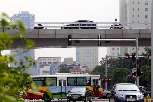 Cầu vượt nhẹ thứ 8 ở Hà Nội được thông xe - ảnh 9
