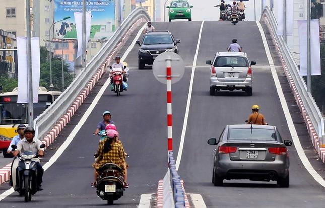Cầu vượt nhẹ thứ 8 ở Hà Nội được thông xe - ảnh 10