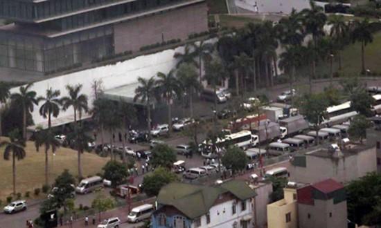 Hàng trăm cảnh sát đặc nhiệm Hà Nội bảo vệ đoàn Tổng thống Obama - ảnh 2
