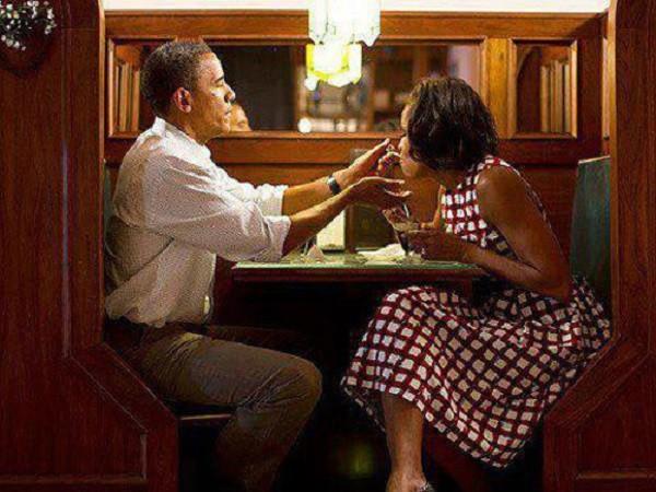Giai thoại ấn tượng về vợ chồng Tổng thống Obama - ảnh 1