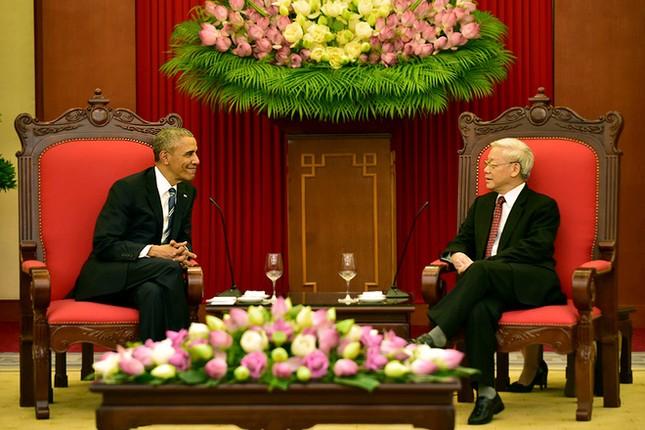 Ngày đầu bận rộn của ông Obama tại Việt Nam - ảnh 13