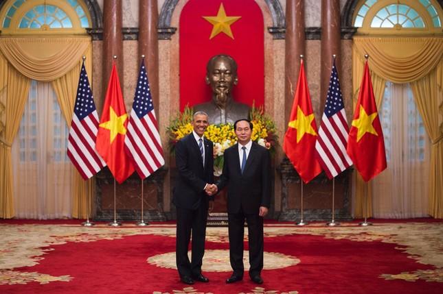 Ngày đầu bận rộn của ông Obama tại Việt Nam - ảnh 6