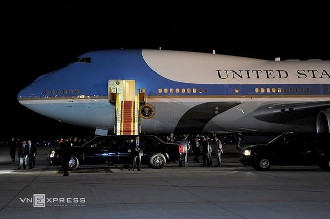 Đón tiếp Tổng thống Mỹ ở sân bay Nội Bài - ảnh 2