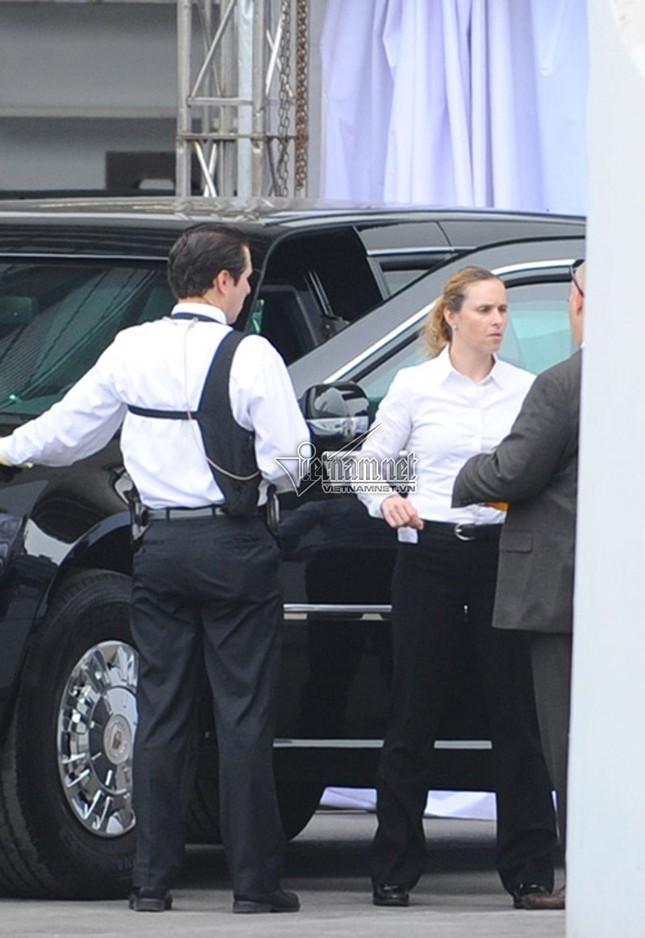 Nữ tài xế lái Cadillac One cho Tổng thống Obama ở Hà Nội - ảnh 1