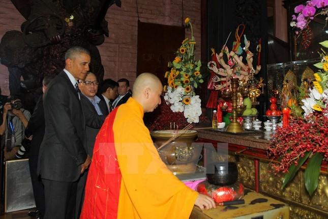 Những hình ảnh đầu tiên của ông Obama ở TP Hồ Chí Minh - ảnh 3