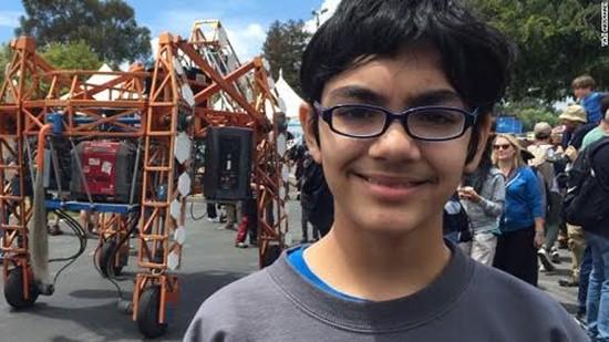 Cậu bé 12 tuổi được nhận vào hai trường đại học - ảnh 1