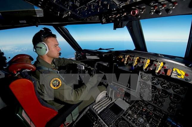 Phát hiện thêm ba mảnh vỡ nghi của máy bay mất tích MH370 - ảnh 1
