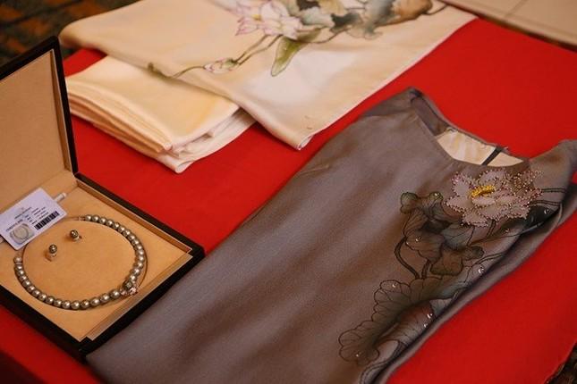Chiếc vòng ngọc trai Việt Nam tặng vợ Tổng thống Mỹ - ảnh 1