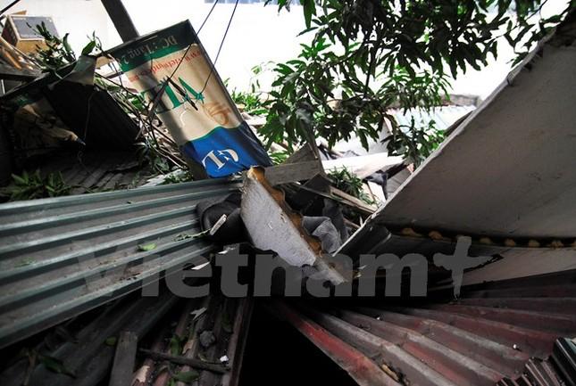Khốn khổ vì đợi BIDV Hà Thành đền bù sau vụ bê tông rơi vào nhà  - ảnh 1