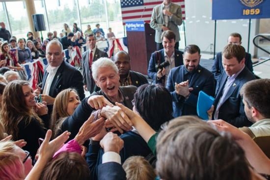 Hillary Clinton sắp ghế gì cho chồng nếu trở thành tổng thống Mỹ - ảnh 3
