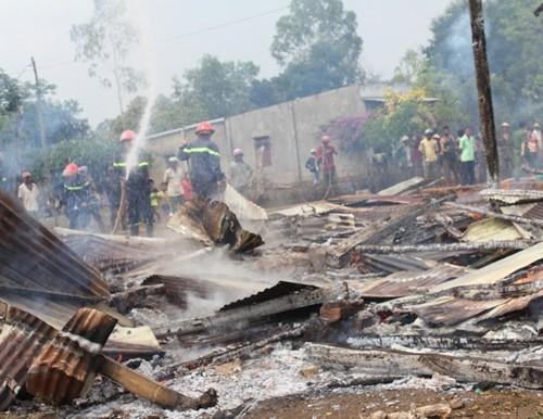 Đắk Lắk: Liều mình lao vào căn nhà gỗ đang cháy cứu 4 cháu nhỏ - ảnh 2
