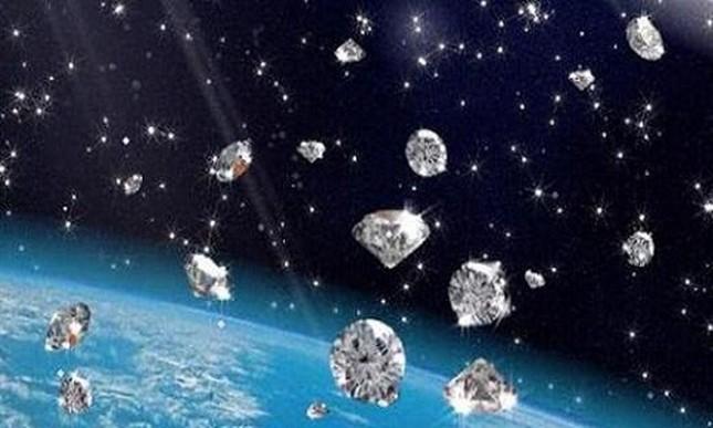 1.000 tấn kim cương trút xuống Thổ tinh và Mộc tinh mỗi năm - ảnh 1