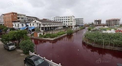 Hoảng hốt với những dòng sông bất ngờ hóa đỏ - ảnh 3