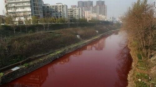 Hoảng hốt với những dòng sông bất ngờ hóa đỏ - ảnh 9