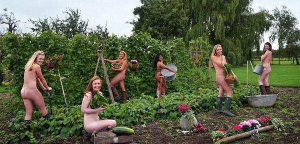 Ngày thế giới khỏa thân làm vườn - ảnh 1