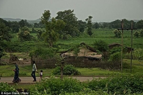 Rùng rợn ngôi làng mỗi ngày đều có người tự tử ở Ấn Độ - ảnh 1