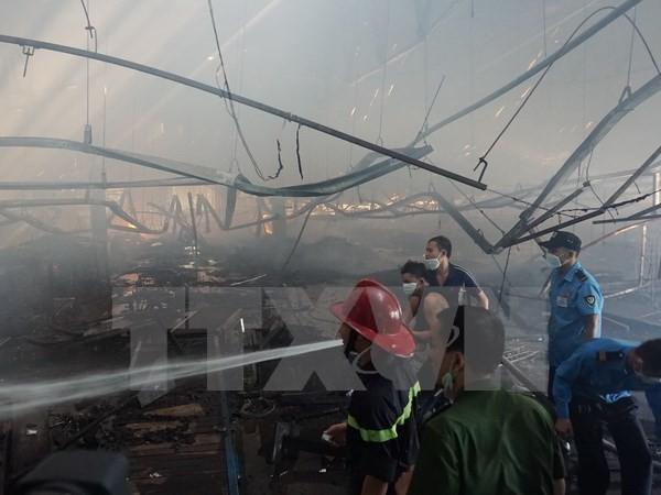 Cháy lớn thiêu rụi 4.000m2 tại công ty in bao bì, thiệt hại 50 tỷ - ảnh 1