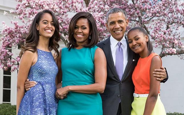 Ngày trọng đại với gia đình Obama: Malia tốt nghiệp trung học - ảnh 2