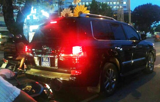 Bí thư Hậu Giang nghiêm túc rút kinh nghiệm vụ xe Lexus - ảnh 2