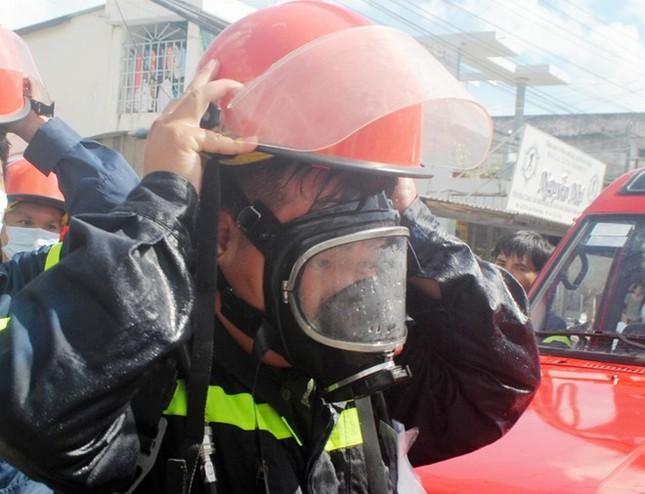 Hàng trăm người bỏ chạy vì khí amoniac bị rò rỉ - ảnh 2