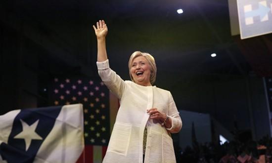 Vì sao nhiều người Mỹ thờ ơ khi bà Clinton đi vào lịch sử - ảnh 1