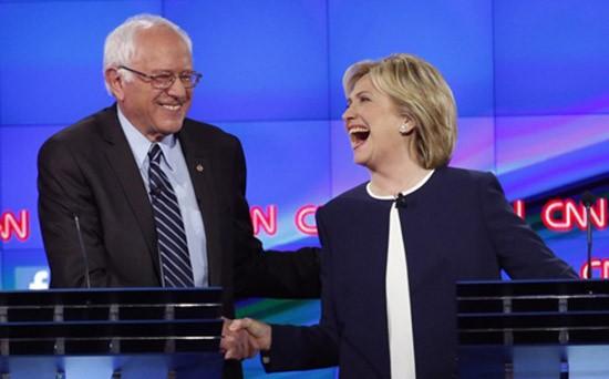Clinton - Sanders hợp sức chống Trump - ảnh 1