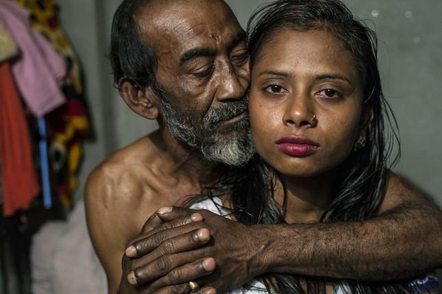 Cảnh đời vạ vật trong khu mại dâm ở quốc gia Hồi giáo - ảnh 11