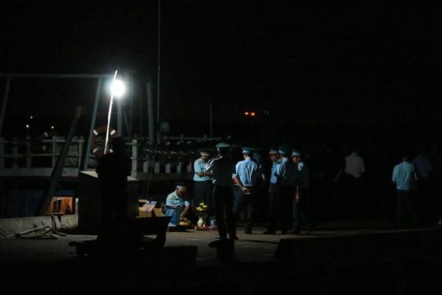 Trắng đêm chờ đón phi công Trần Quang Khải - ảnh 2