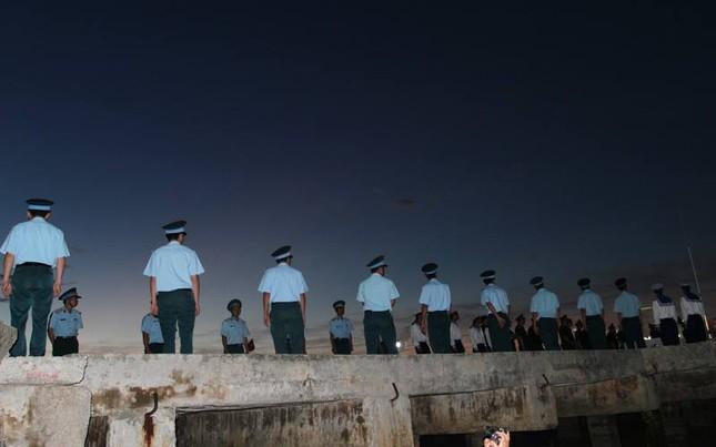 Trắng đêm chờ đón phi công Trần Quang Khải - ảnh 3