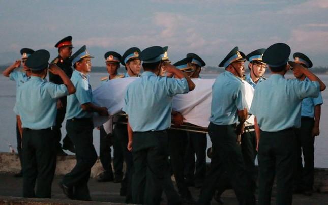 Trắng đêm chờ đón phi công Trần Quang Khải - ảnh 4