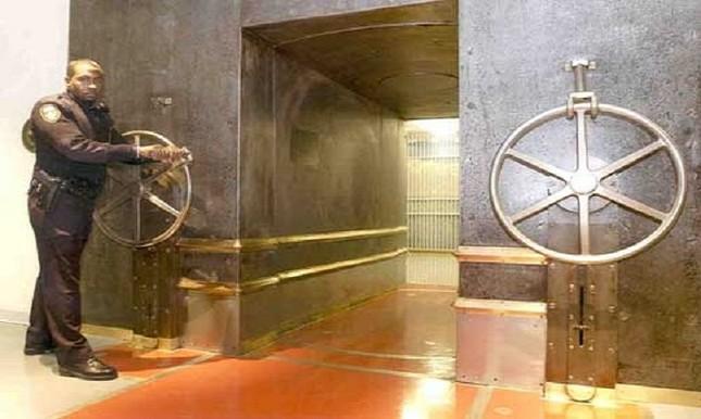 Những hầm vàng bất khả xâm phạm trên thế giới - ảnh 4