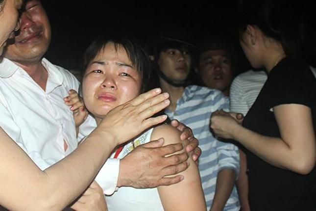 Lật tàu du lịch trên sông Hàn, nhiều người mất tích - ảnh 7