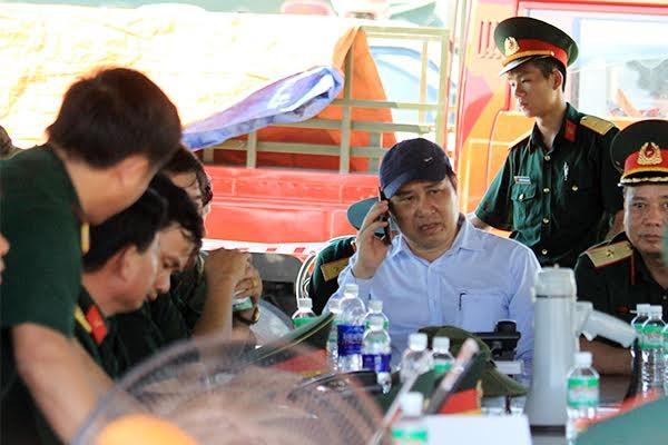 Đang tìm kiếm 3 nạn nhân mất tích trong vụ chìm tàu sông Hàn - ảnh 2