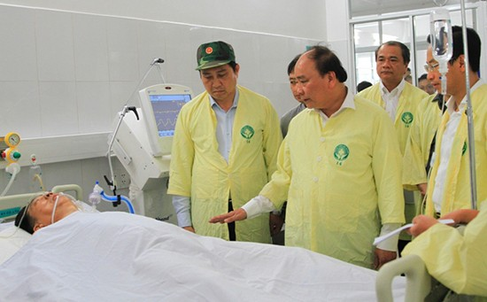 Thủ tướng trực tiếp thị sát hiện trường vụ chìm tàu - ảnh 3