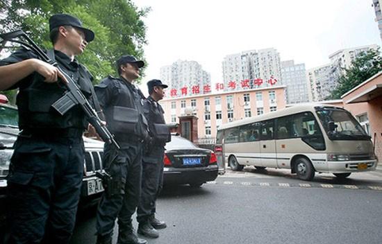 Trung Quốc huy động cảnh sát đặc nhiệm trông thi đại học - ảnh 1