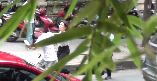Vợ cũ bác sĩ Thái lên tòa bịa sự kiện mới bị chồng đánh dã man - ảnh 2
