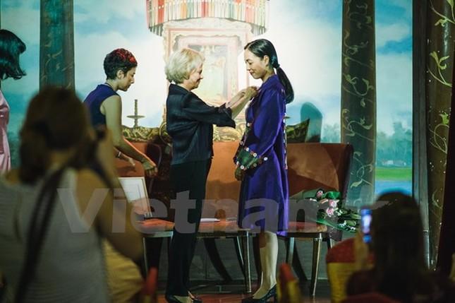 Đạo diễn Nguyễn Hoàng Điệp nhận Huân chương Hiệp sỹ của Pháp - ảnh 1