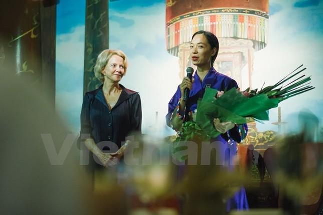 Đạo diễn Nguyễn Hoàng Điệp nhận Huân chương Hiệp sỹ của Pháp - ảnh 2