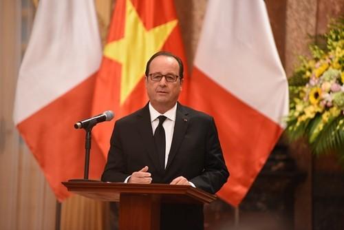 Chuyến thăm của Tổng thống Pháp tạo xung lực cho quan hệ hai nước - ảnh 2