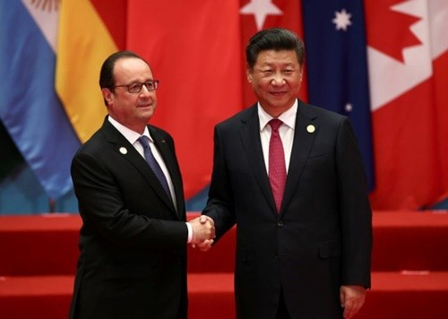 Francois Hollande - Tổng thống bình dân của nước Pháp - ảnh 2
