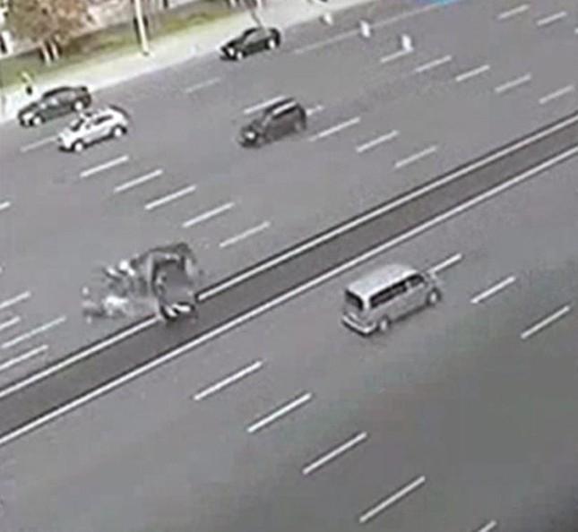 Siêu xe của Putin bị đâm, tài xế chết tại chỗ - ảnh 1
